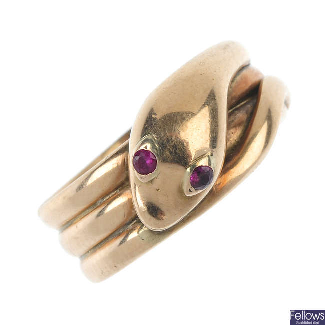 A late Victorian 9ct gold snake ring.
