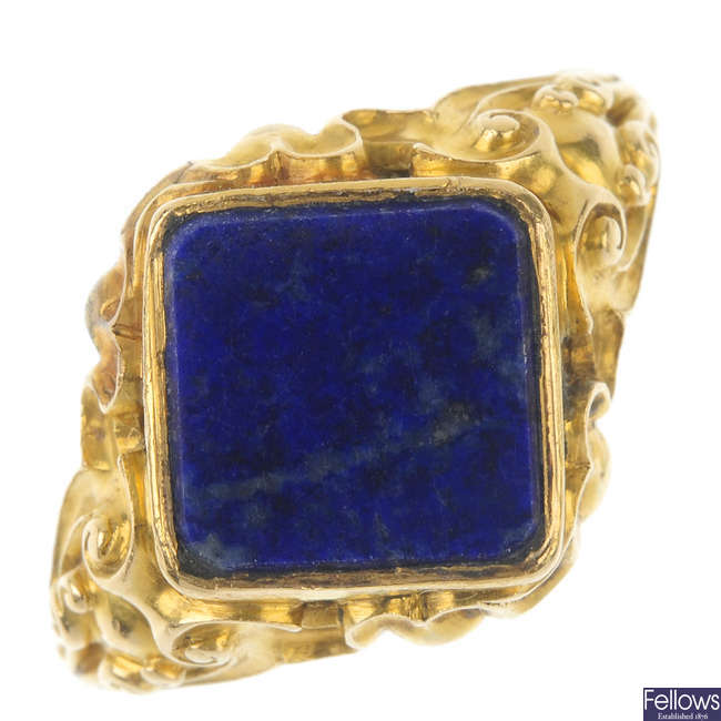 An early 20th century lapis lazuli ring.