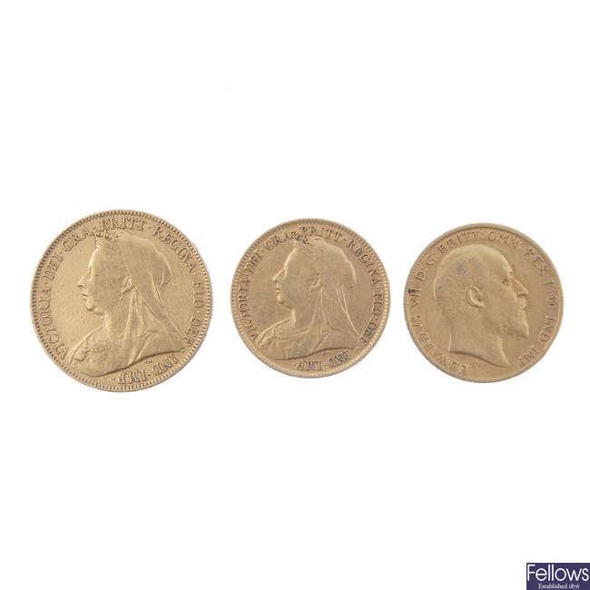 Sovereign 1900 & Half-Sovereigns (2) 1896, 1905.