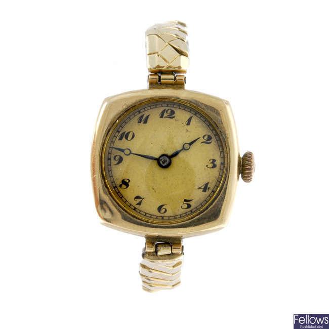 A lady's 9ct yellow gold bracelet watch.