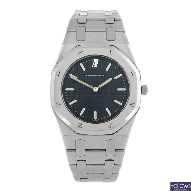 AUDEMARS PIGUET - a lady's stainless steel Royal Oak bracelet watch.