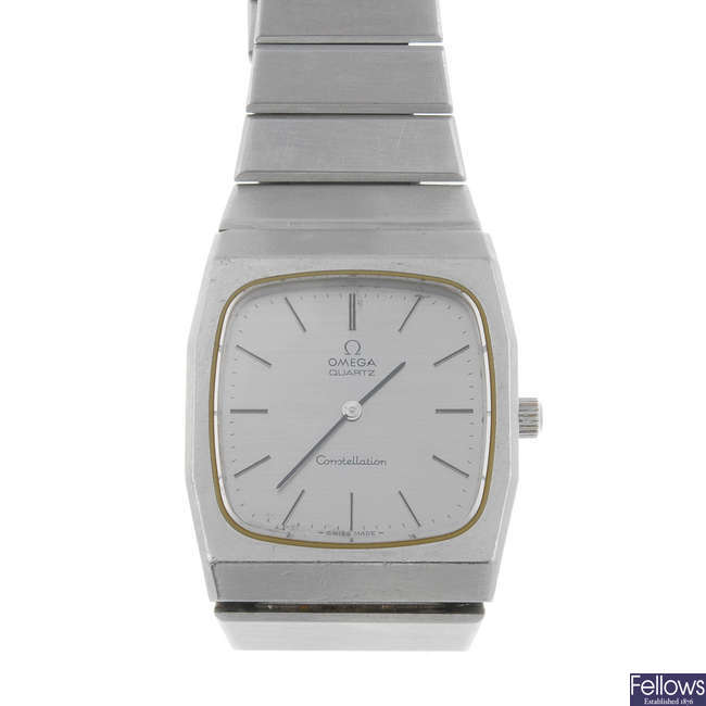 OMEGA - a gentleman's stainless steel Constellation Electroquartz bracelet watch.