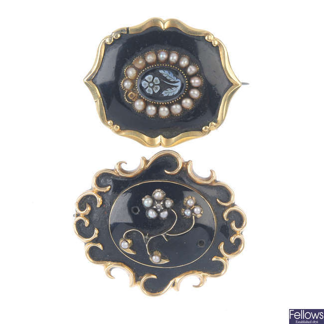 Five mid to late 19th century brooches.