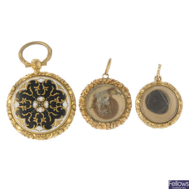 A selection of mid to late 19th century jewellery.
