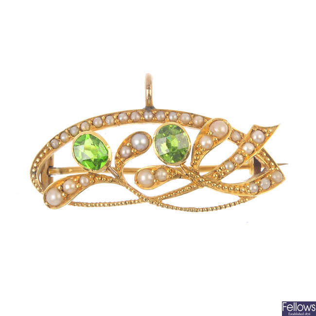 An early 20th century 15ct gold split pearl and gem-set brooch.