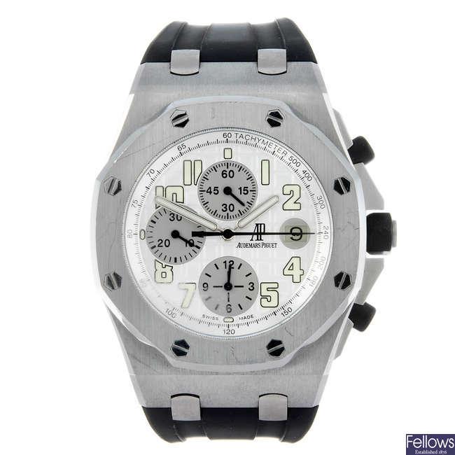 (174244) AUDEMARS PIGUET - a gentleman's Royal Oak Offshore chronograph wrist watch.