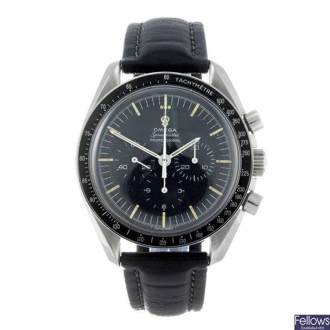 (195918) OMEGA - a gentleman's stainless steel Speedmaster chronograph wrist watch.