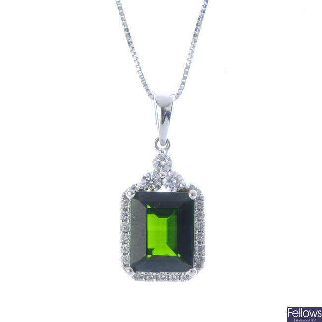 An 18ct gold diopside and diamond cluster pendant, with chain.