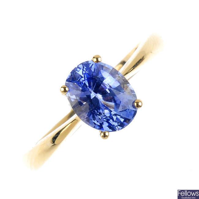 An 18ct gold Ceylon sapphire single-stone ring.