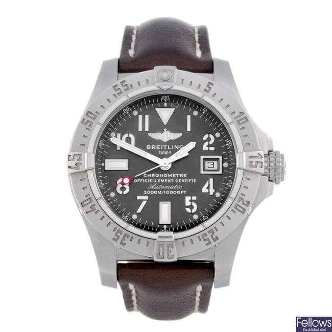 BREITLING - a gentleman's stainless steel Avenger Seawolf wrist watch.