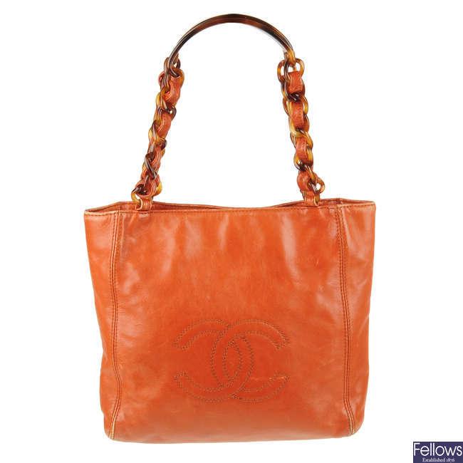 CHANEL - a small vintage leather handbag.