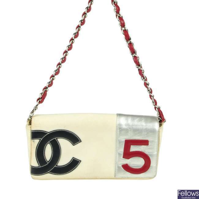 CHANEL - a No.5 baguette handbag.