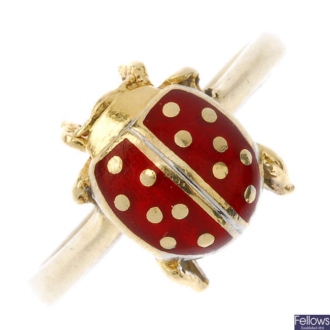A novelty enamel ring.