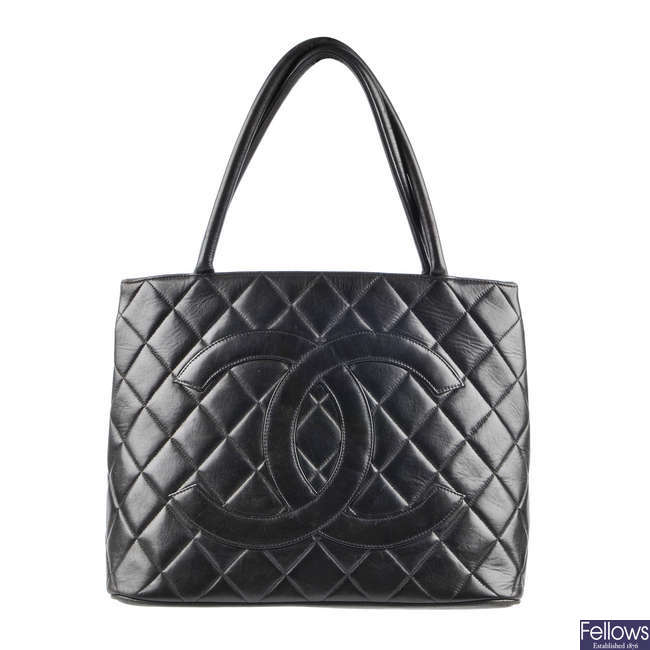 CHANEL - an early 90s quilted leather tote handbag.