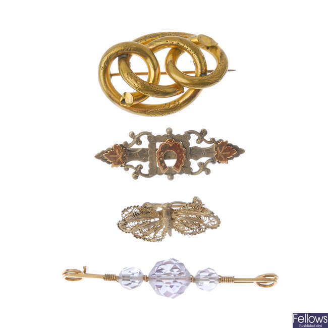 A selection of mainly late 19th century jewellery.
