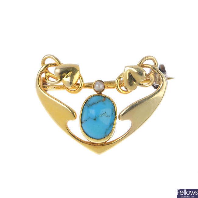 MURRLE BENNETT & CO. - an early 20th century 15ct gold gem-set brooch.