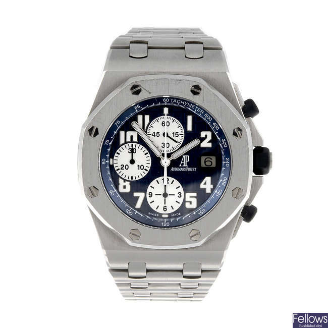 AUDEMARS PIGUET - a gentleman's stainless steel Royal Oak Offshore chronograph bracelet watch.