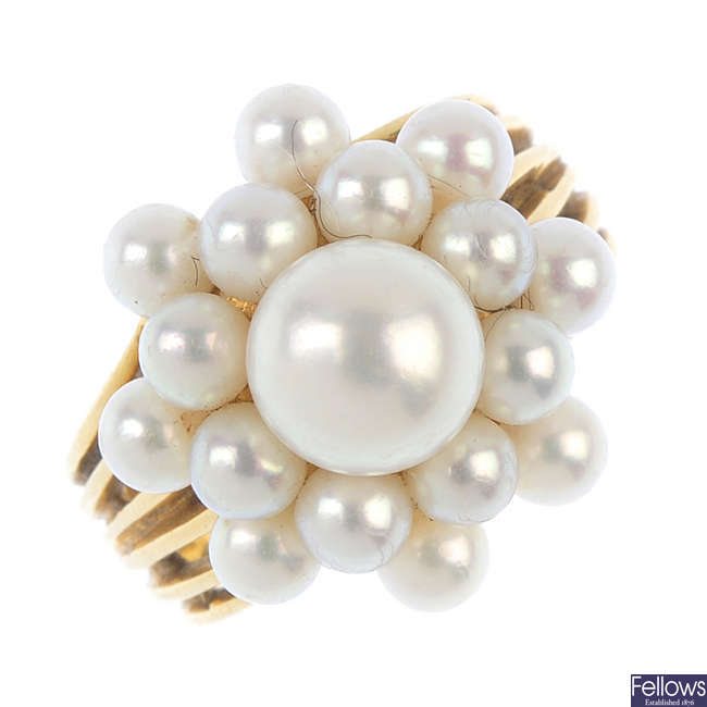 MIKIMOTO - a cultured pearl dress ring.