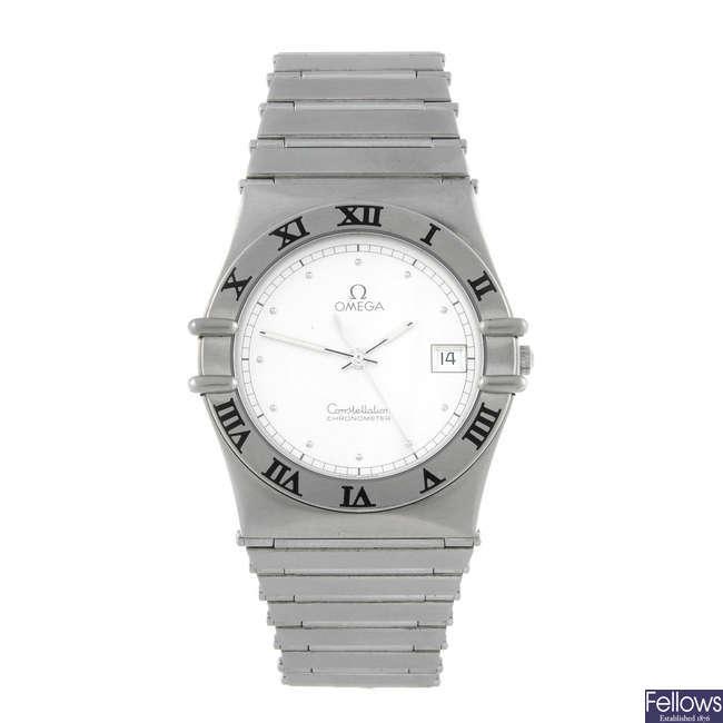 OMEGA - a gentleman's stainless steel Constellation bracelet watch.