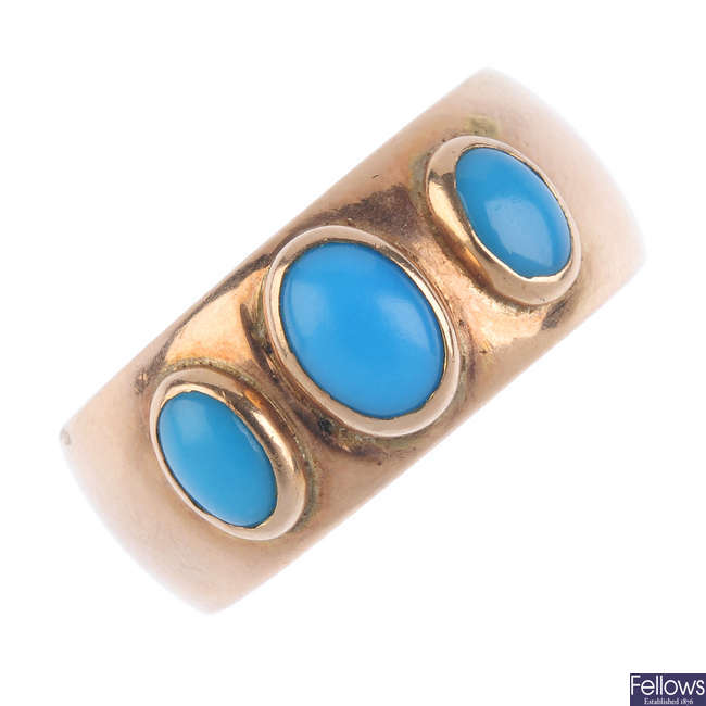 An Edwardian 9ct gold turquoise three-stone ring.