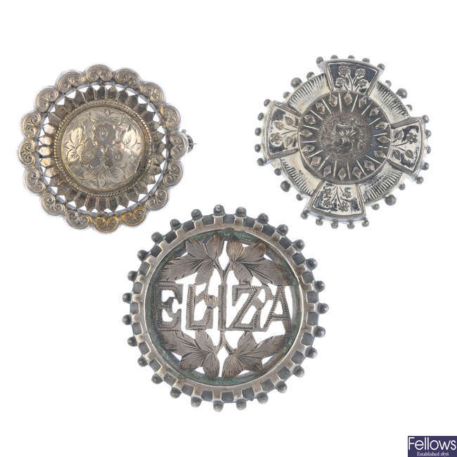 A selection of late 19th to early 20th century mainly silver brooches.