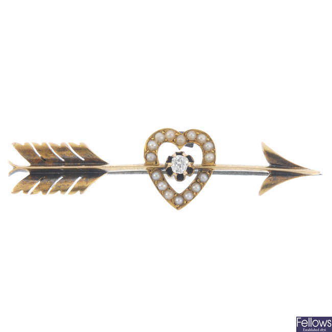 Two late 19th century split pearl brooches.