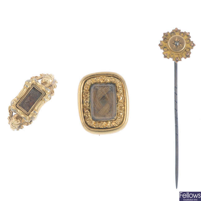 Three items of mid to late Victorian jewellery.