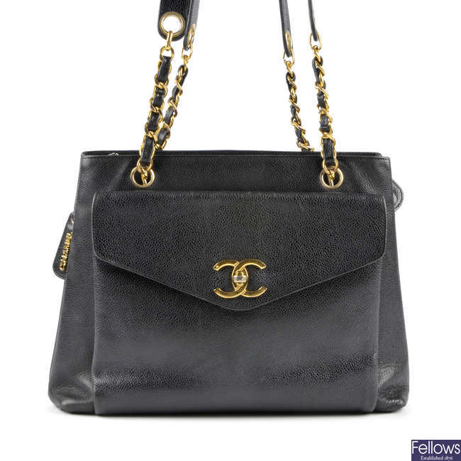 CHANEL - a caviar leather shoulder bag.