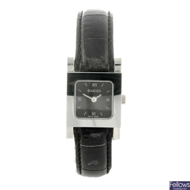 GUCCI - a lady's stainless steel 7900P wrist watch.