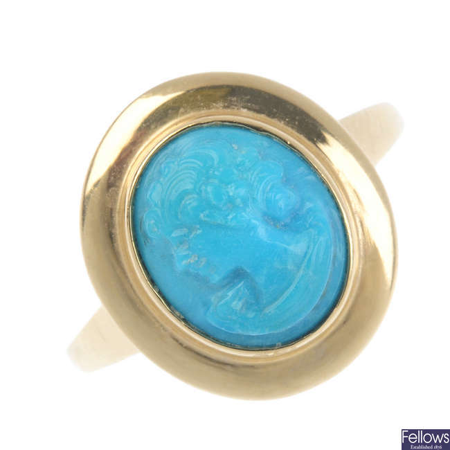 A 14ct gold cameo ring.