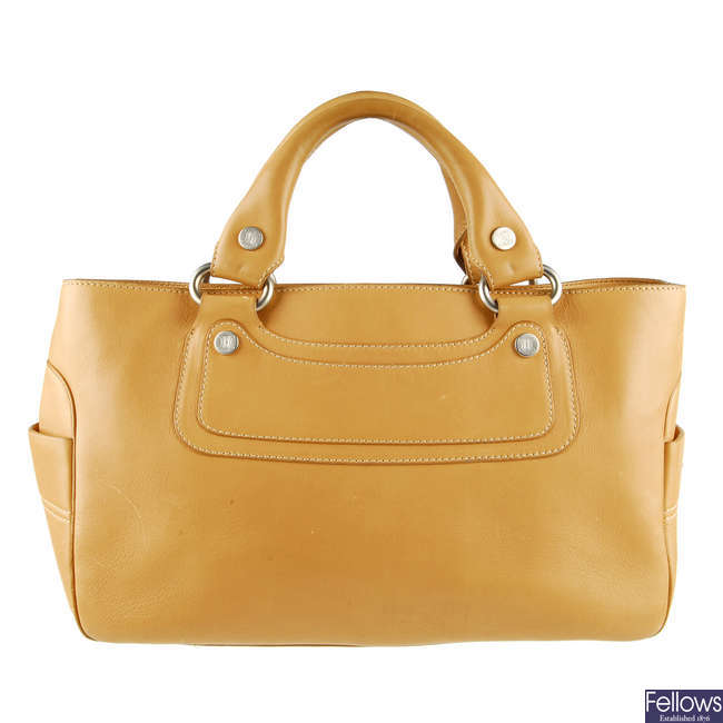 CELINE - a tan leather Boogie handbag.