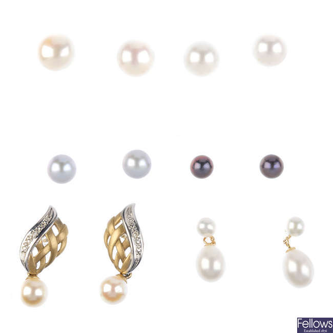 A selection of cultured pearl jewellery.