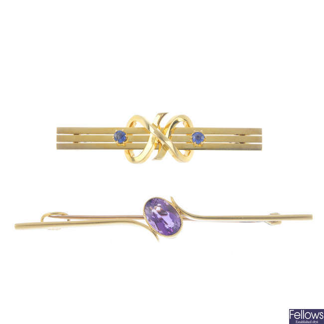 Two early 20th century 15ct gold gem-set bar brooches.