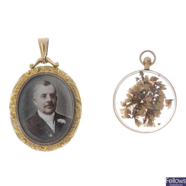 Two early 20th century 9ct gold photograph lockets.