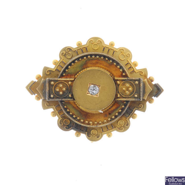 A late Victorian 15ct gold diamond brooch.