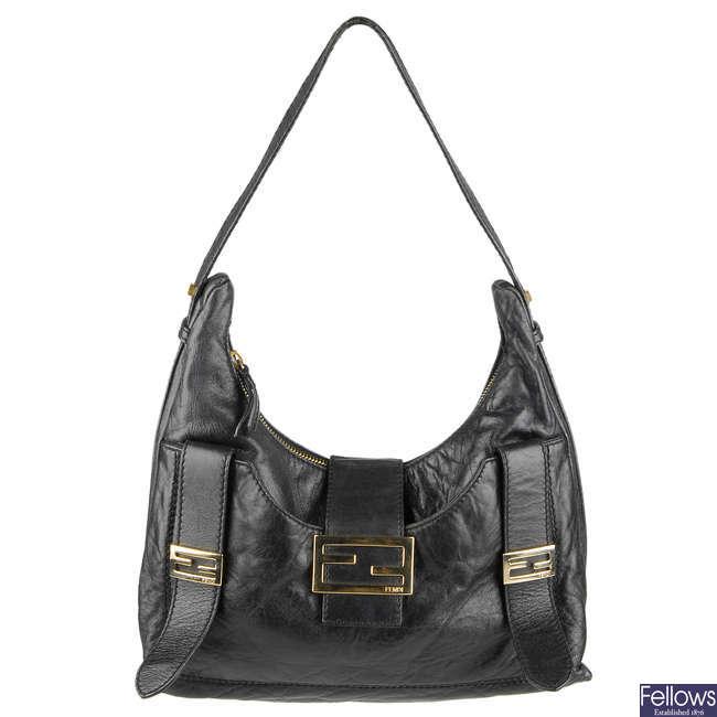 FENDI Black/gold leather shoulder bag