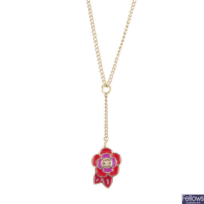 CHANEL - a necklace.