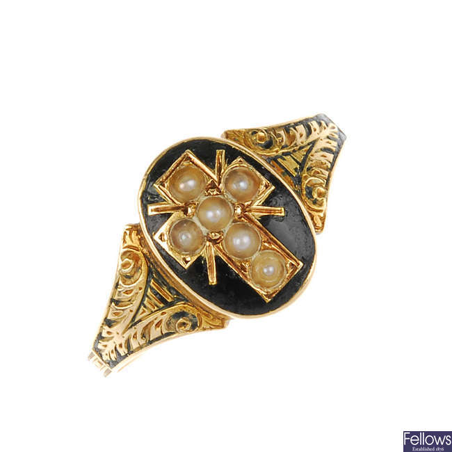 An early 20th century 15ct gold enamel and split pearl memorial ring.