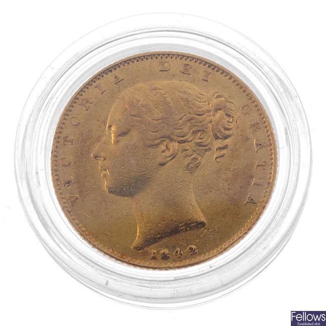 Victoria, Sovereign 1842, rev. shield (S 3852).