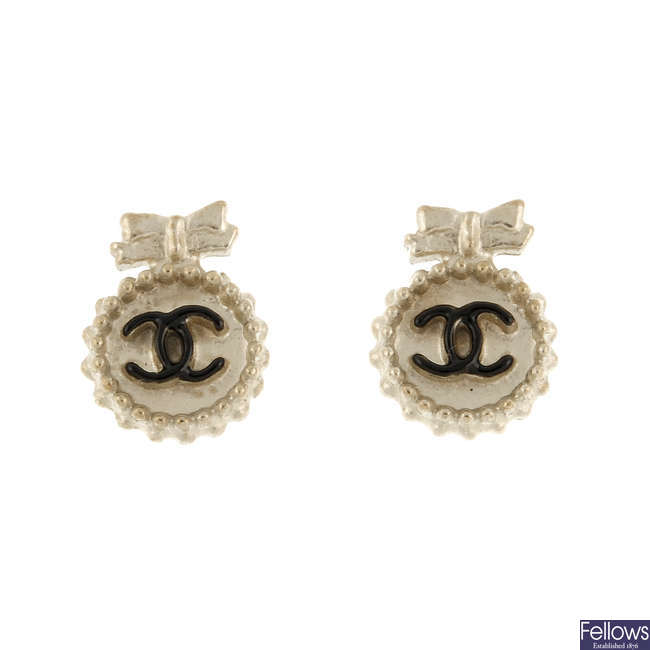 CHANEL - a pair of earrings.