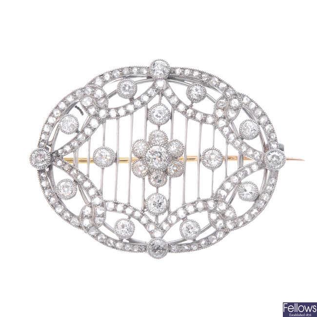 An Edwardian Belle Epoque platinum diamond brooch.