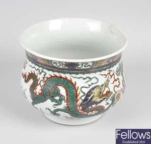 A Chinese famille verte porcelain pot