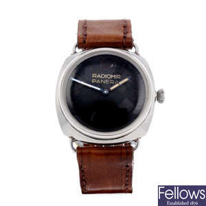 PANERAI - a very rare and special Second World War military Diver wrist watch.